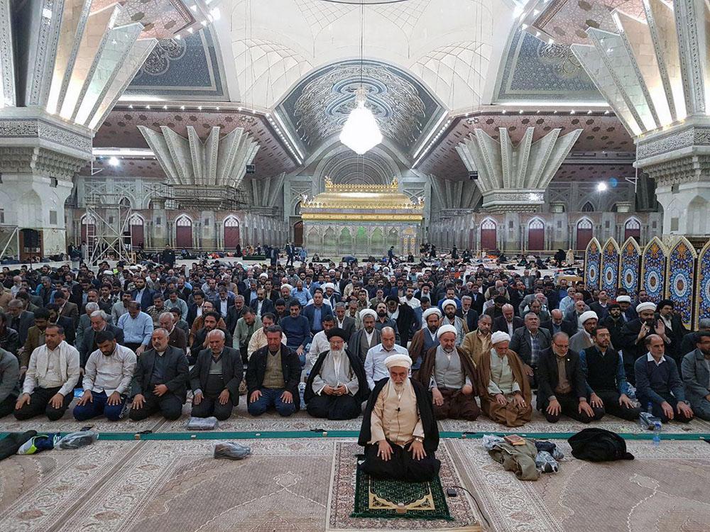 حضور مردم در حرم مطهر امام راحل پس از وقوع زلزله